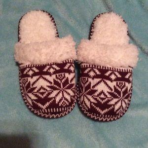 Women's slippers, NWOT